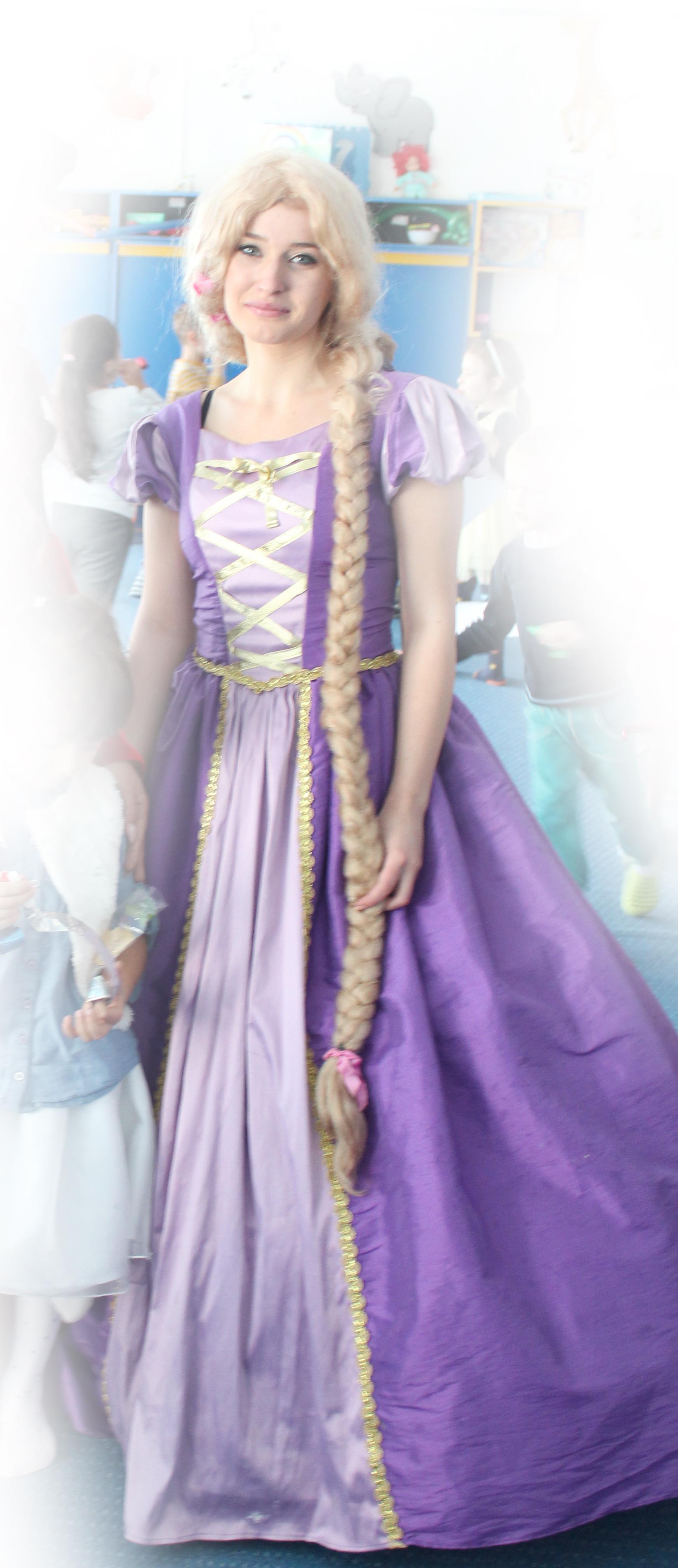 Rapunzel - celebra printesa cu parul luuuung