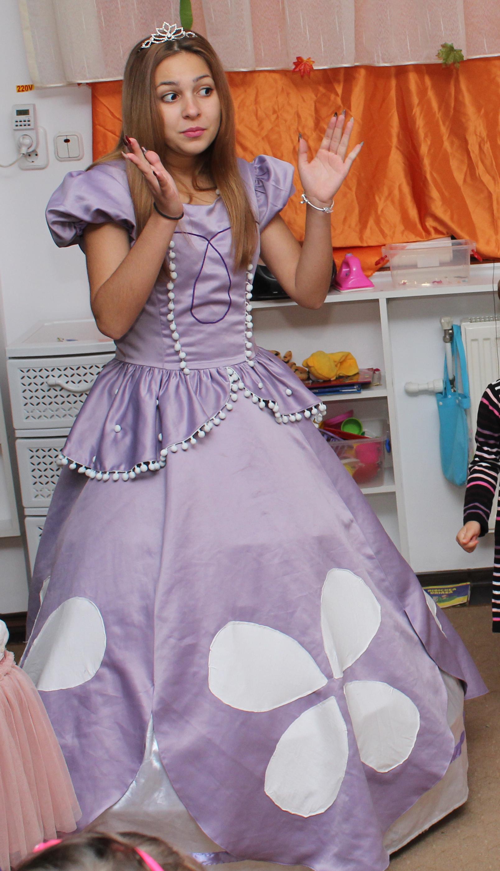 Printesa Sofia Intai * noua rochita