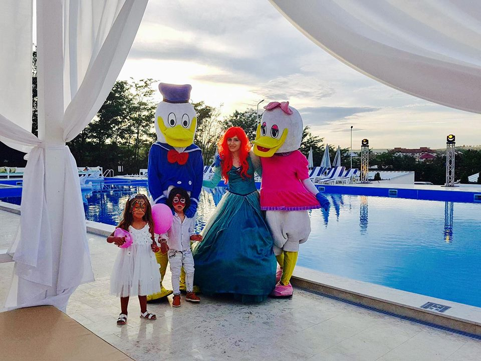 Petrecere pentru copii de 1 an, taierea motului in locatii din Iasi
