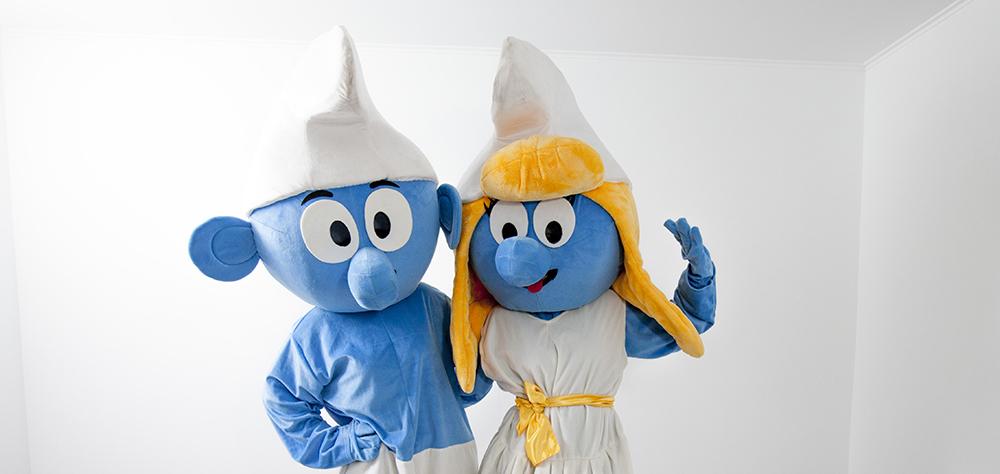 Strumf si Strumfita din filmul Smurfs sunt acum in Iasi